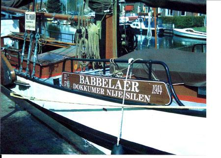 Babbelaer, beletteren naambord